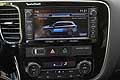 Mitsubishi Outlander PHEV cruscotto centrale con display