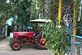 Tractor Mahindra B-275 fotografato a Pondicherry in India