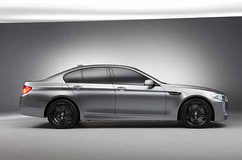 BMW - BMW M5 Concept laterale