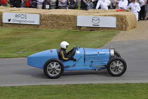 Cronoscalata di auto storiche - Bugatti Type 39 35B a Goodwood Festival of Speed 2015
