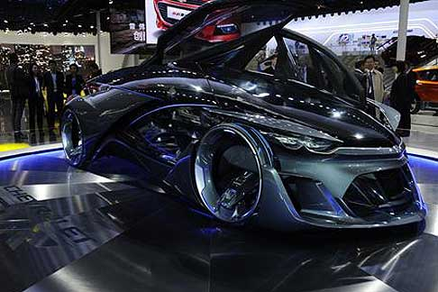 Chevrolet - Chevrolet FNR concept car e rappresenta il futuro dell´automotive