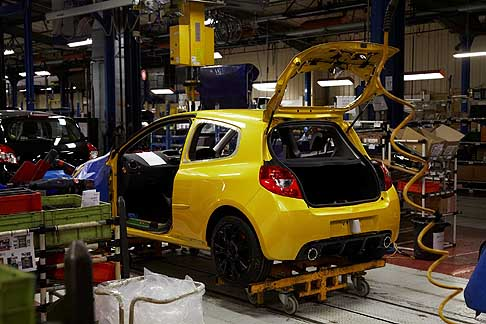 Renault - 2012 Dieppe Renault Plant - Renault Clio III RS assembly line