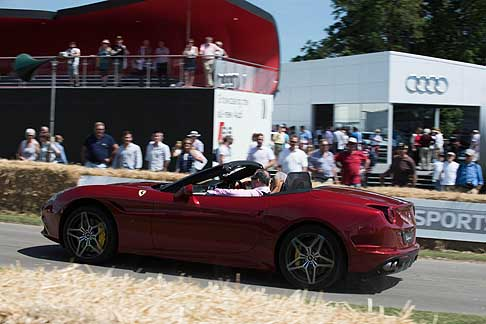 Cronoscalata di auto storiche - Ferrari California T a Goodwood Festival of Speed 2015