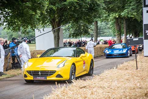Ferrari - Ferrari California T nel circuito di Goodwood 2017