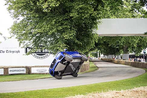 Goodwood Festival of Speed - Jaguar F-Pace stuntman a Goodwood Festival of Speed 2016