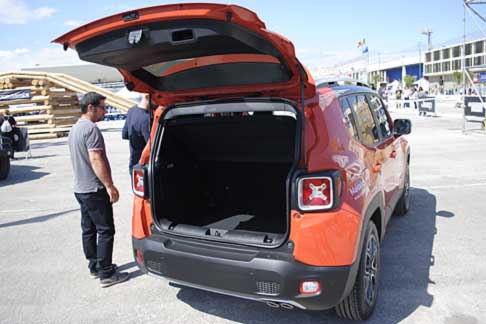 Jeep Renegade Bagagliaio Test Offroad By Automania Jeep