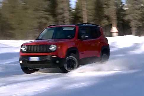 Test Drive ice - Jeep Renegade sul circuito del Proving Ground Center di FCA a Arjeplog in Svezia