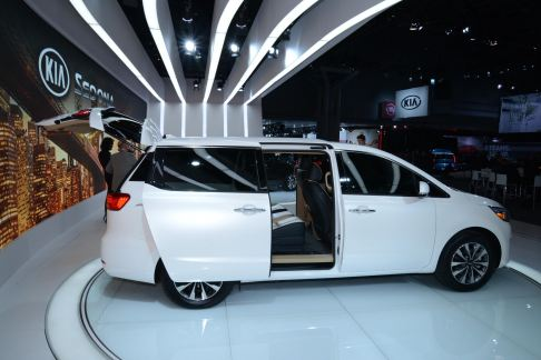 Kia Motors - Kia Sedona white multispace al New York Auto Show 2014