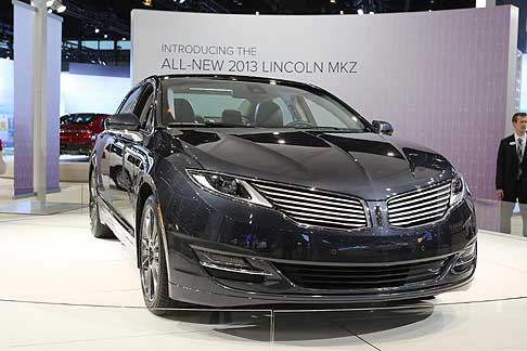 Lincoln - Lincoln MKZ at the Chicago Auto Show 2013