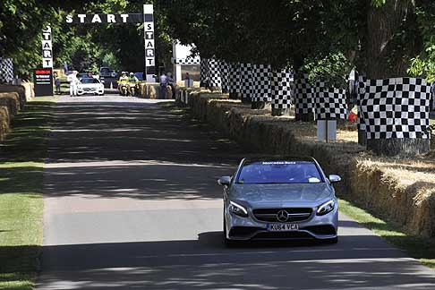 Cronoscalata di auto storiche - Mercedes-Benz A Class AMG a Goodwood Festival of Speed