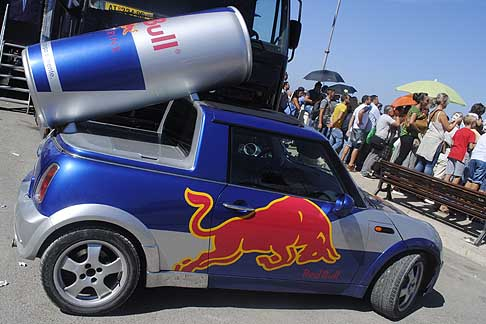 Red Bull - Show Car Mini Cooper con lattina Red Bull a Polignano, 7^ tappa del 2015