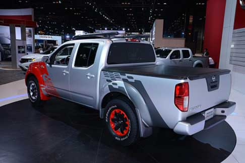 Nissan - Nissan Frontier Diesel cassone pick-up al Chicago Autoshow 2014