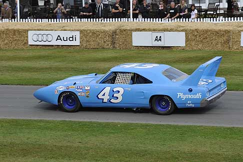 Cronoscalata di auto storiche - Plymouth Superbird at the Goodwood Festival of Speed 2015