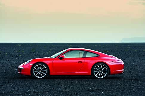 Porsche - Porsche 911 Carrera red laterale