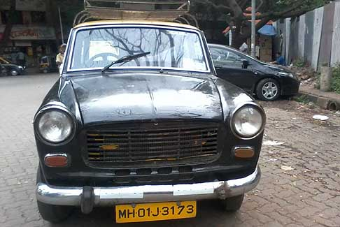 Fiat - Taxi Fiat Premier Padmini Taxi in Mumbai photo by Omkar Nalavade