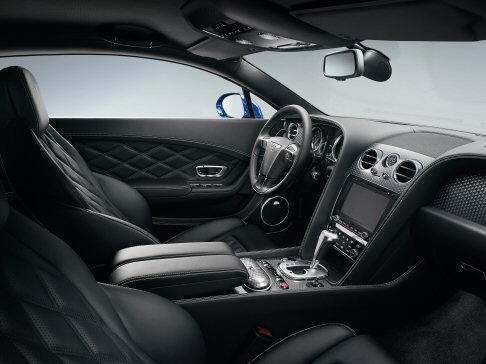 Bentley - Il sistema di Infotainment di bordo con touchscreen da 8 pollici e 30 GB di archiviazione integra ora la navigazione satellitare Personal Points of Interest.