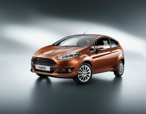 Ford - Fiesta rende accessibile dispositivi innovativi non disponibili a bordo delle vetture compatte, come il sistema di frenata automatica in città (Active City Stop).