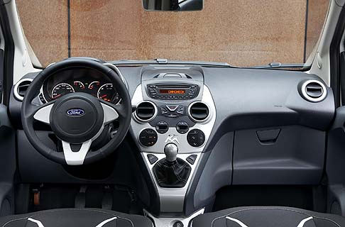 Ford - La Fiesta Black & White Edition e la Ka Black & White Edition sono già ordinabili presso la rete italiana dei Ford Partner.