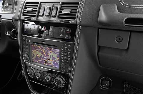 "Mercedes-Benz - Mercedes-Benz G-Class G 500 ""Edition Select"" interni con display centrale"
