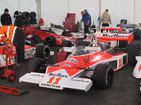 Film di Niki Lauda - Monoposto McLaren M23 di James Hunt nel Film Rush regista Ron Howard