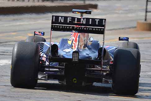 Red Bull - Retro monoposto Red Bull che entra in pista per lo show