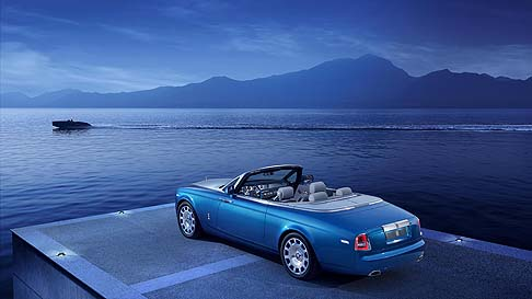Rolls-Ryce - La Rolls-Royce Phantom Drophead Coupé Waterspeed Collection celebra il il primato da Sir Malcolm Campbell ottenuto  bordo della barca Bluebird K3 nel 1937.