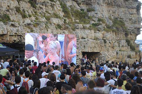 Cliff Diving a Polignano - Vincitrice la bionda Rachelle Simpson americana al Red Bull Cliff Diving World Series 2015