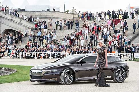 Le 7 concept car esposte in Francia a Chantilly