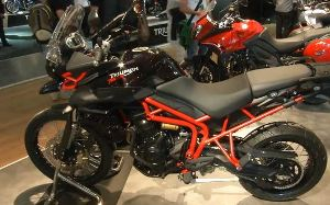 Triumph Tiger 800XC di scena all᾽EICMA