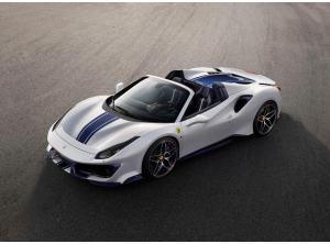 Ferrari 488 Pista Spider: special car a Pebble Beach