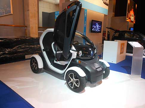 Renault - Renault Twizy zero emission si pu� effetturare il test drive H2Roma 2012