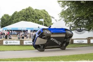 Jaguar F-Pace spettacolare a GoodWood