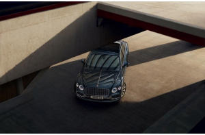 Bentley Flying Spur: lusso in movimento