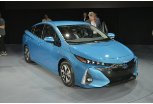 Nuova Toyota Prius Plug-In Hybrid: reveal a New York