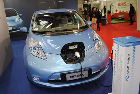 Nissan - Nissan Leaf zero emission test drive ad Electric City al Bologna Motorshow 2012
