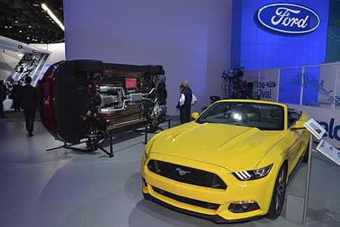 Detroit-Naias Ford