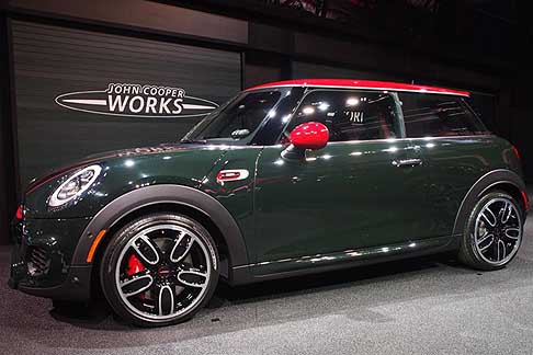 Detroit-Naias Mini