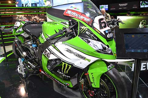 Eicma 2015 - Kawasaki Racing Team moto ZX-10R all´Eicma 2015