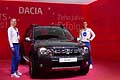 Dacia Duster e hostess al Salone di Francoforte 2015