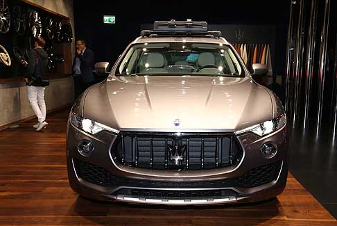 Maserati - Maserati Levante Model Year 18 con i due allestimenti GranLusso e GranSport
