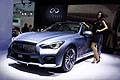 Infiniti Q50 e hostess all´IAA Frankfurt International Motor Show 2013