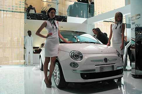 Fiat - Fiat 500 by Gucci come testimonial Natasha Poly