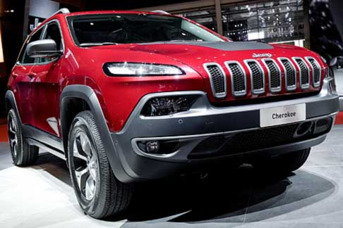 Jeep - stand Jeep in evidenza anche la Jeep Cherokee limited edition