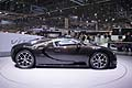 Supercar Bugatti fiancata laterale at the Geneva Motor Show 2013