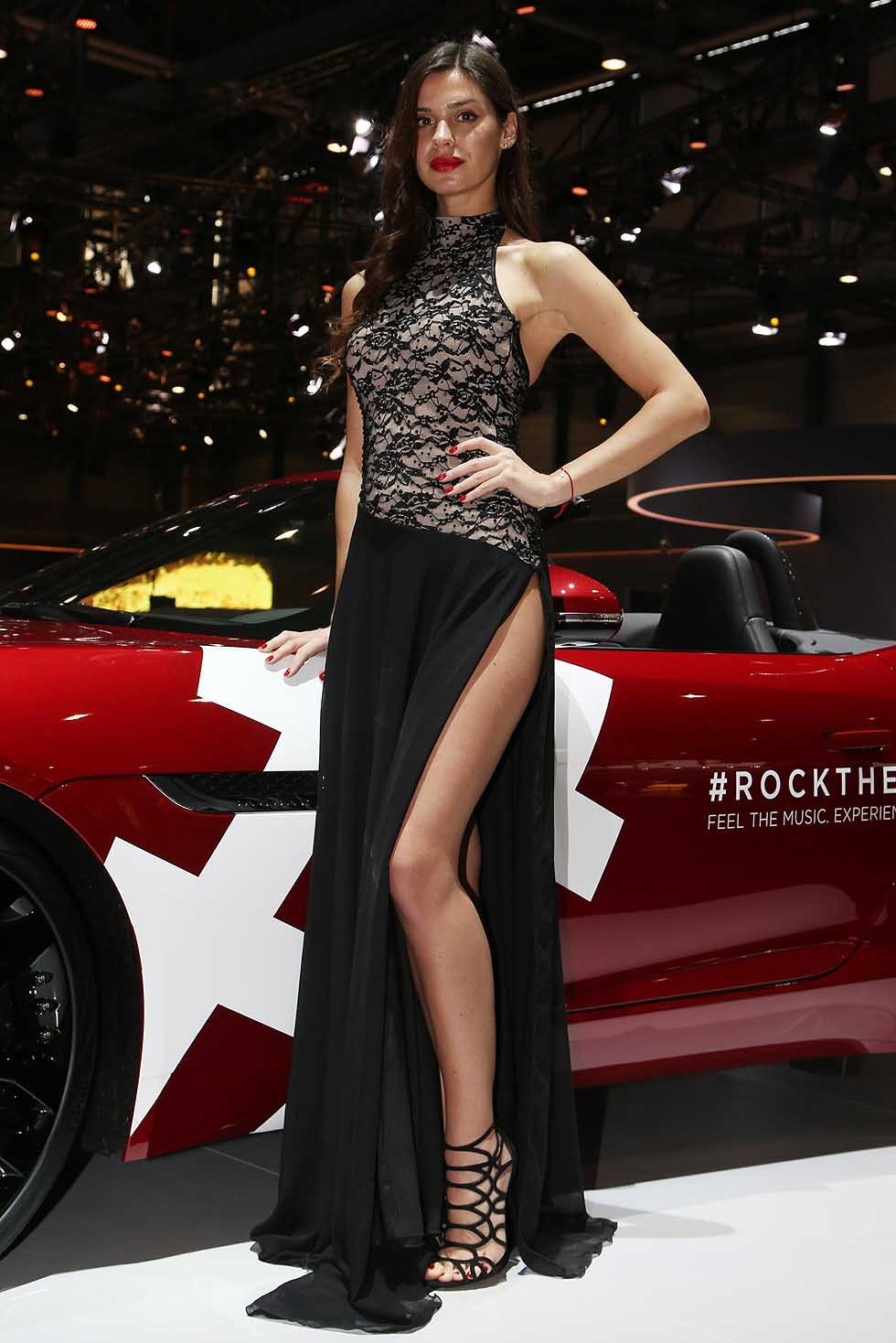 ginevra motorshow girls sexy hostess in 2016 geneva motor show. Black Bedroom Furniture Sets. Home Design Ideas
