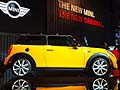 Mini Cooper laterale al Salone di Los Angeles 2013