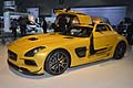 Supercar Mercedesz SLS AMG Coup� Black Series ali di gabbiano al Los Angeles International LA Auto Show 2012
