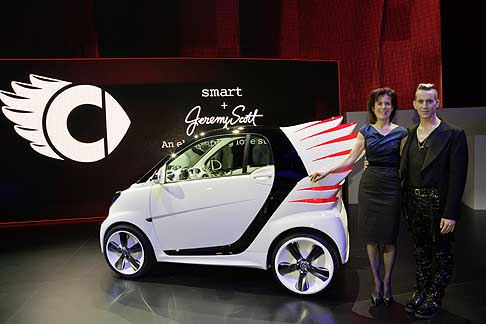 Smart - Anteprima mondiale della Smart ForJeremy Concept car disign per Jeremy Scott  La Auto Show 2012 di Los Angeles