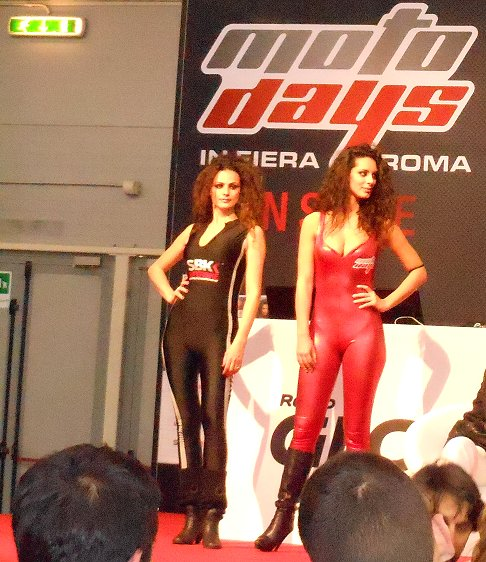 Motodays Hostess
