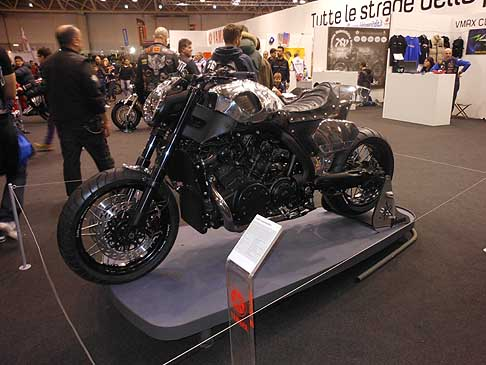 Yahama - Special Moto Yahama VMAX hyper-modifiedr by Abnormal Cycles al Motodays